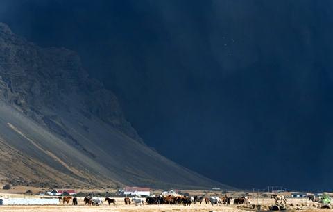 Eyjafjallajokull-cavalos-nuvem