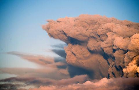 Eyjafjallajokull-coluna-fumaca