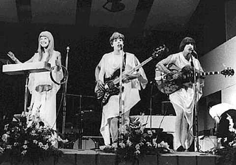 Os Mutantes - IV Festival da Música Popular Brasileira (TV Record)- 18/11/68.