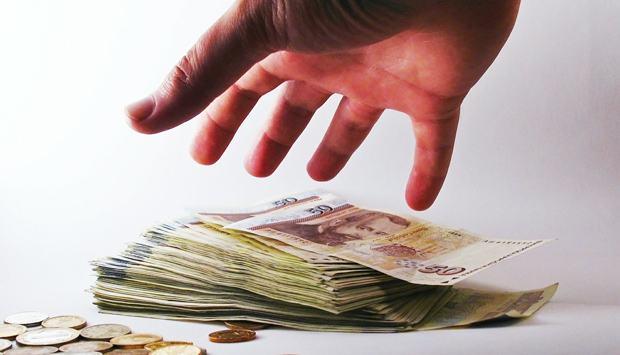 A corrupção continua e a dívida só cresce no Brasil