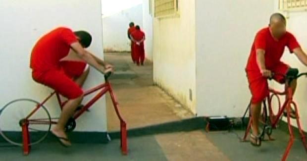 Pedalar na cadeia libera detentos