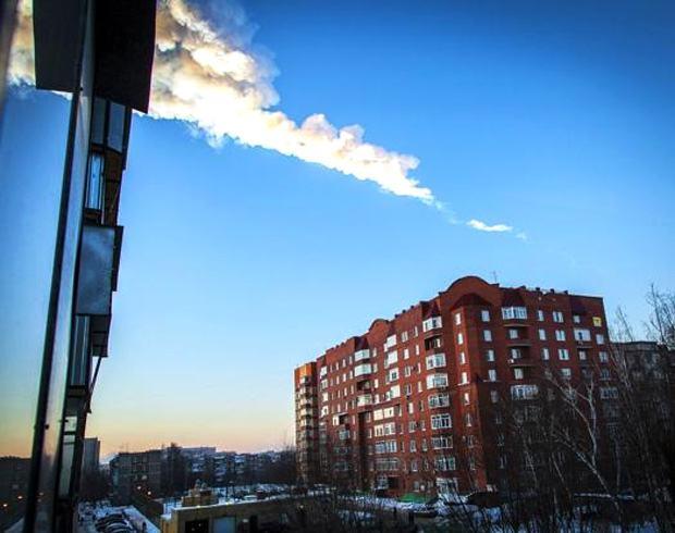 Meteoro cai na Rússia deixando 500 feridos, 3 em estado grave
