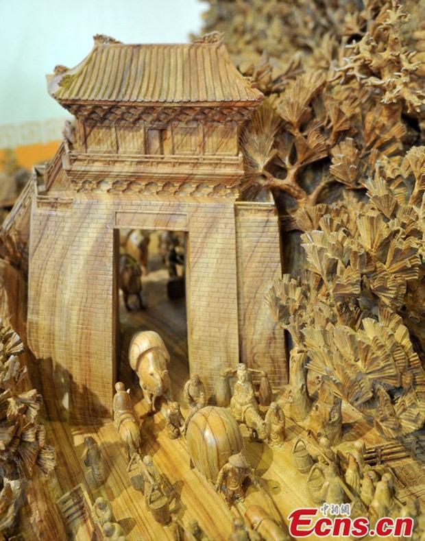 maior-escultura-em-madeira-do-mundo-3