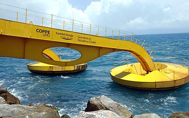 Energia limpa e autossustentável vinda do mar em Pécem, Ceará