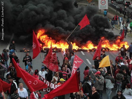 manifestacao-regis-2014-Paulo-Liebert-AE