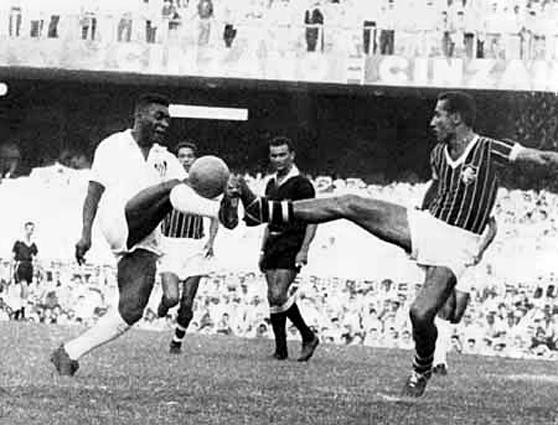 santos-x-fluminense-gol-de-placa-pele-1961