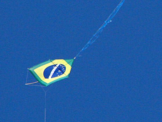 pipa-papagaio-bandeira-do-brasil-dia-da-crianca