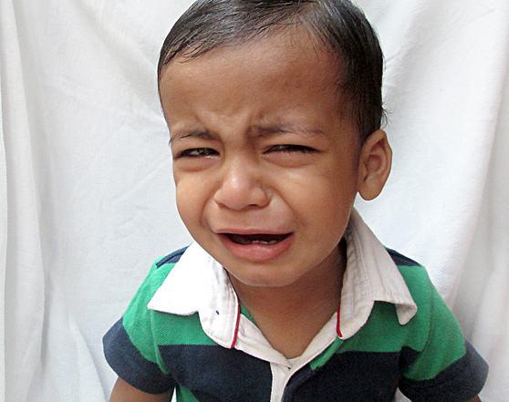 menino-triste-chorando