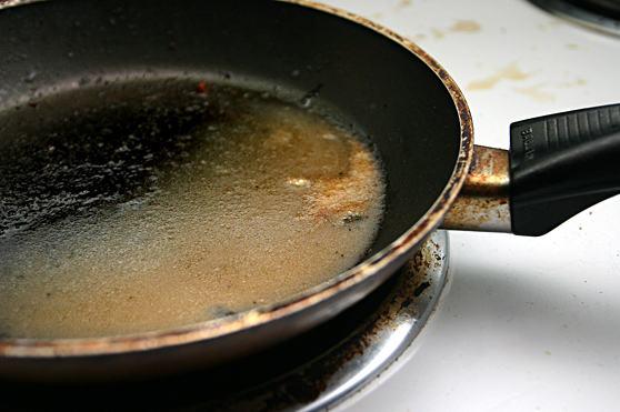 como-descartar-oleo-de-cozinha