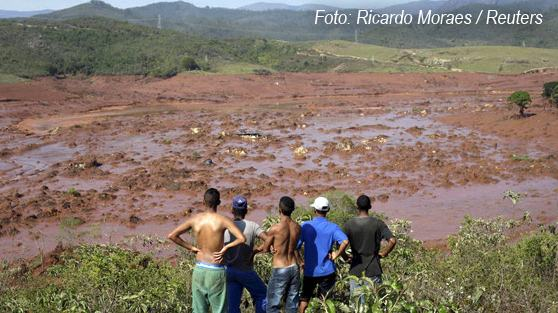 rompimento-barragem-samarco-em-bento-rodrigues-2015