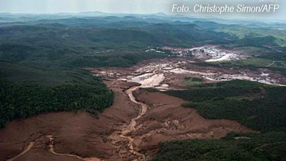 vista-aerea-rompimento-barragem-em-bento-rodrigues-MG