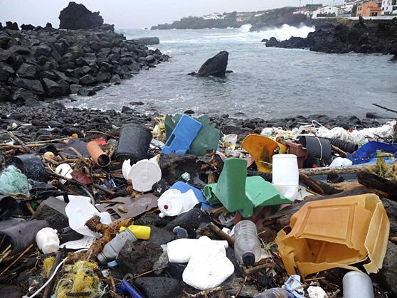 poluicao-dos-oceanos-rios-02