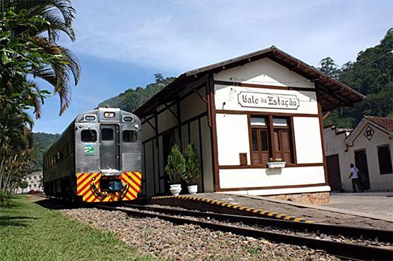 viagens-de-trem-Serras-Capixabas-Viana-Araguaia