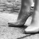 Como usar o salto alto sem machucar os pés