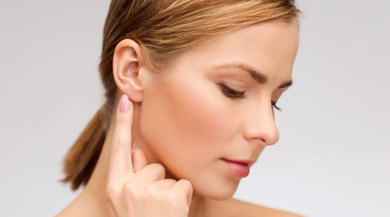 Entenda como é feita a cirurgia plástica na orelha e quem pode fazer
