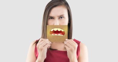 6 hábitos que escurecem os dentes e que você pode evitar