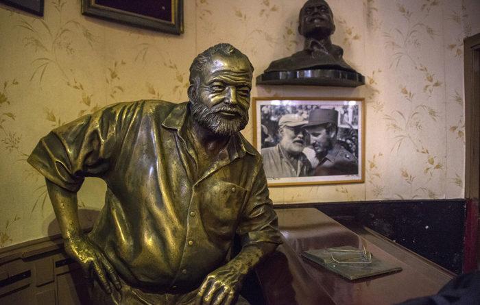 Por que Ernest Hemingway amava tanto o mar?
